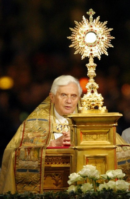http://pastormack.files.wordpress.com/2011/06/benxvieucharisticadoration.jpg?w=421&h=647